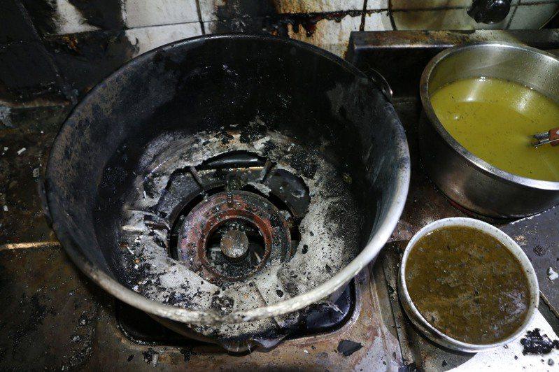 台中市發生多起住宅火警,消防局查出是廚房煮食不慎引起。圖/台中市消防局提供