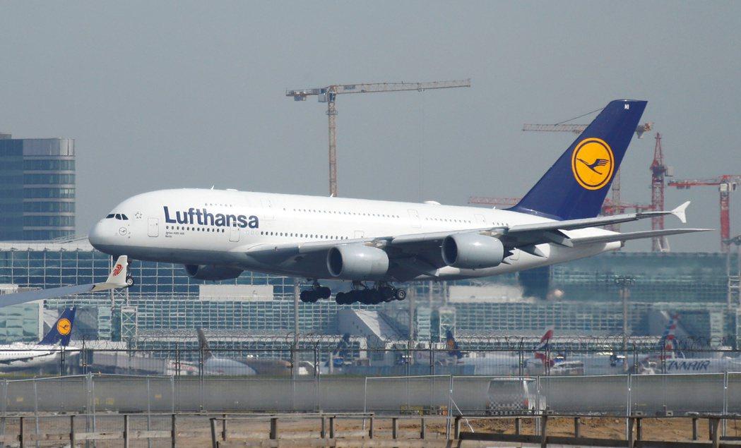 德國漢莎航空取得德國政府90億歐元紓困。 (圖/路透)