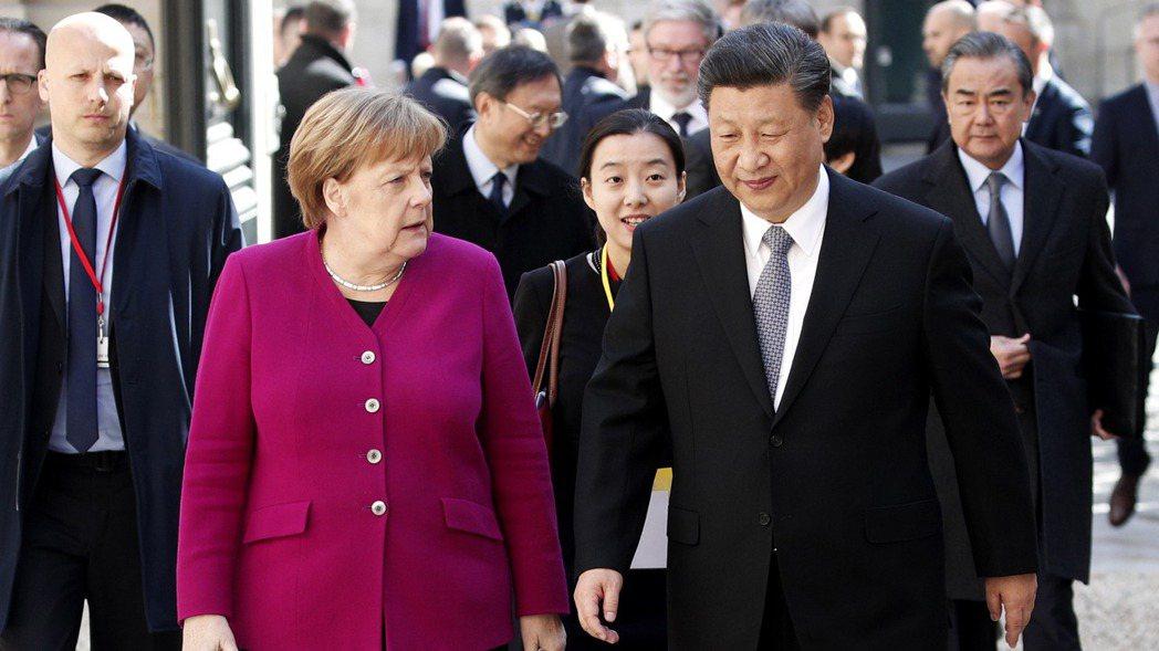 根據歐盟首席外交官,亞洲世紀也許已經來臨,美國主導的全球體系告終,歐盟選邊站壓力...