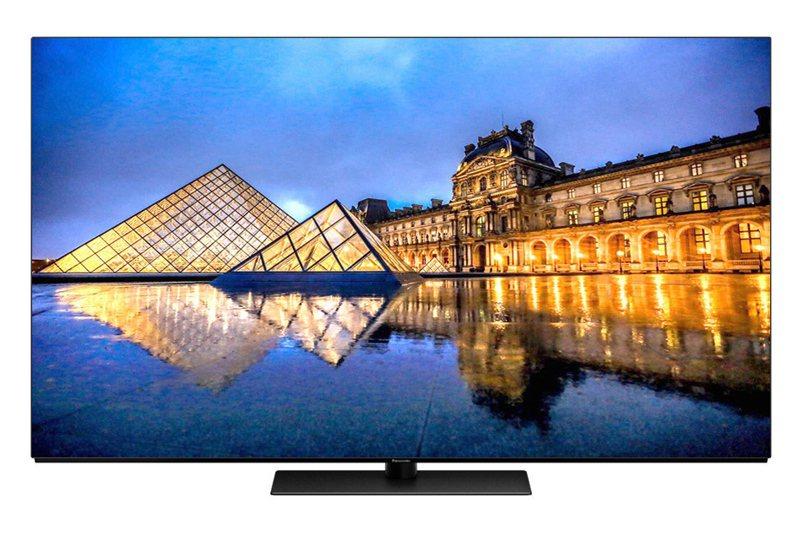 Panasonic推出OLED電視高階機種,強調搭載進階六原色與好萊塢HCX影像晶片。 圖/全國電子提供