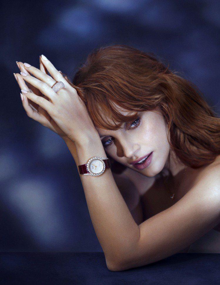 每年的影展紅毯與派對上,Jessica Chastain配戴伯爵珠寶的璀璨身影,...