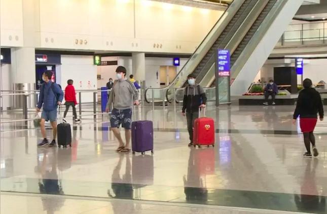 香港機場的乘客轉機服務,將於6月1日起適度恢復。照片/香港電台