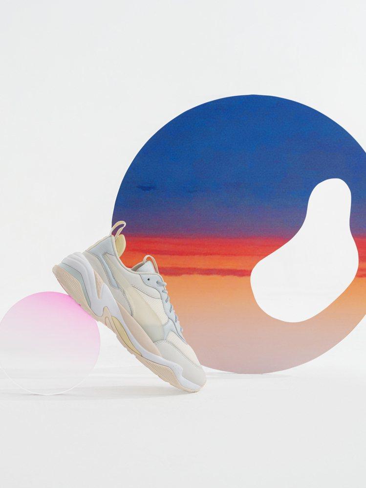 PUMA與劉雯聯名系列RS-2K鞋4,680元。圖/PUMA提供