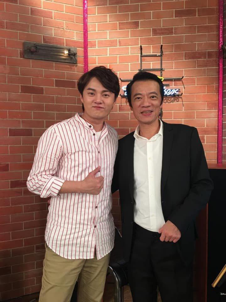 許富凱(左)曾和吳朋奉合作。圖/摘自臉書