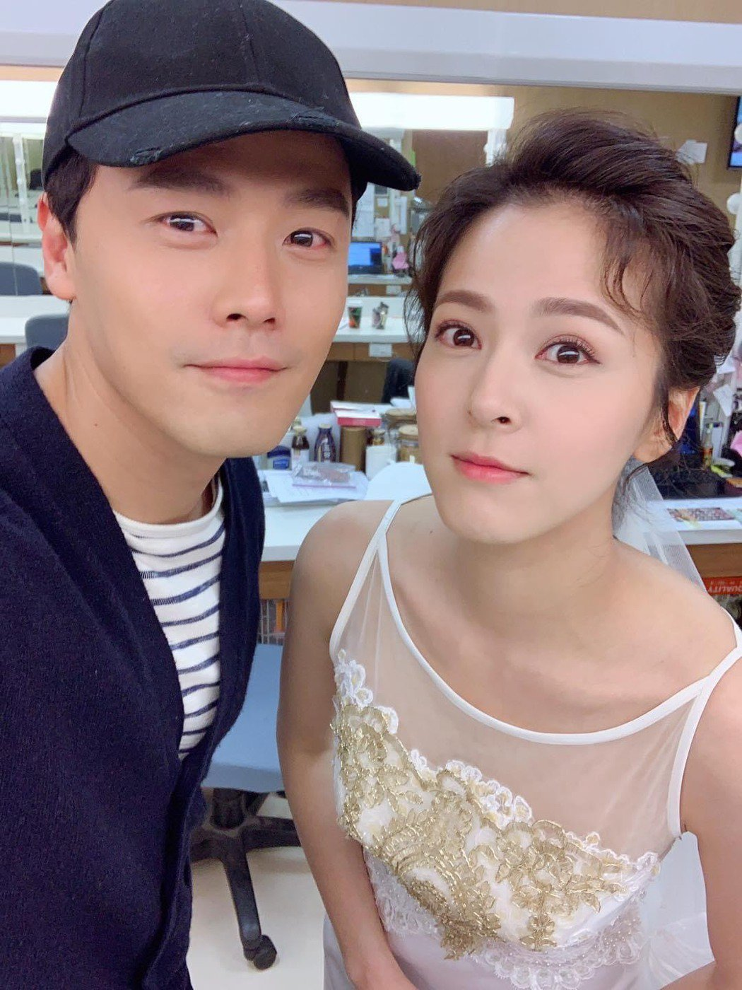 黃文星(右)在臉書貼出和蘇晏霈「姐夫與明玥的最後一張合照」。圖/翻攝臉書