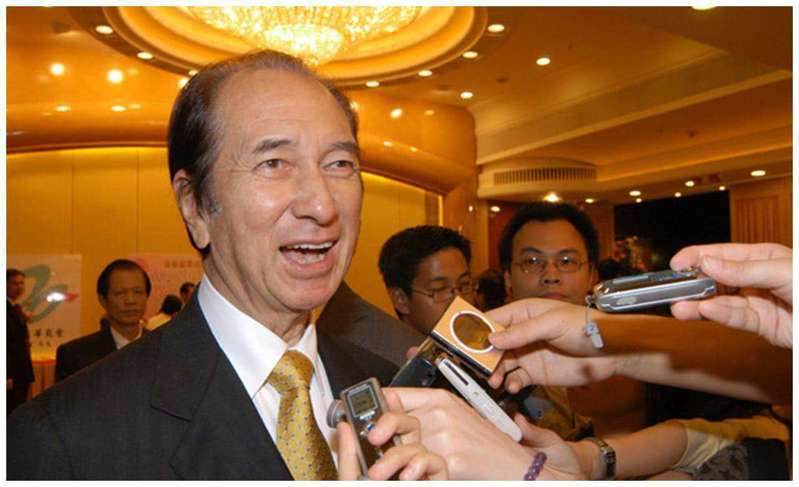 澳門賭王何鴻燊已於26日逝世,享壽98歲。(取自新浪網)