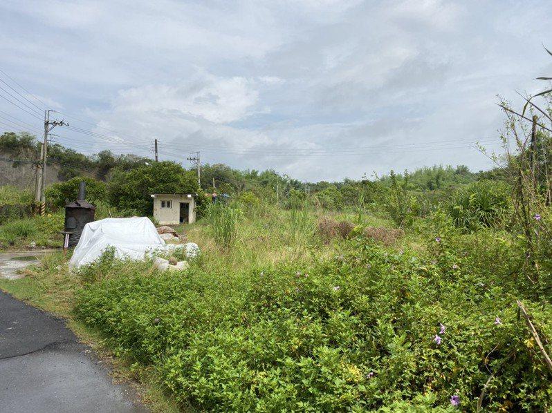 糖鐵台南玉井和善化線中間的左鎮五分車車站,幾乎被拆殆盡,只有少數月台遺址及一間早年車站的廁所。圖/左鎮區公所提供