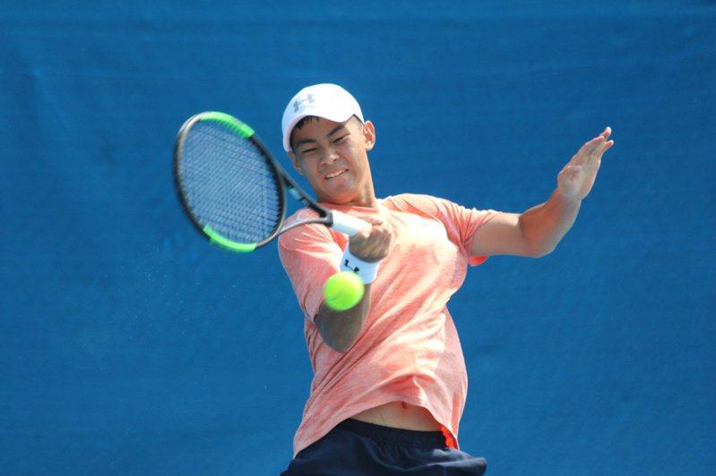 今年全國排名賽有多位旅美好手回台,19歲羅翊睿就是其一。圖/中華網球協會提供