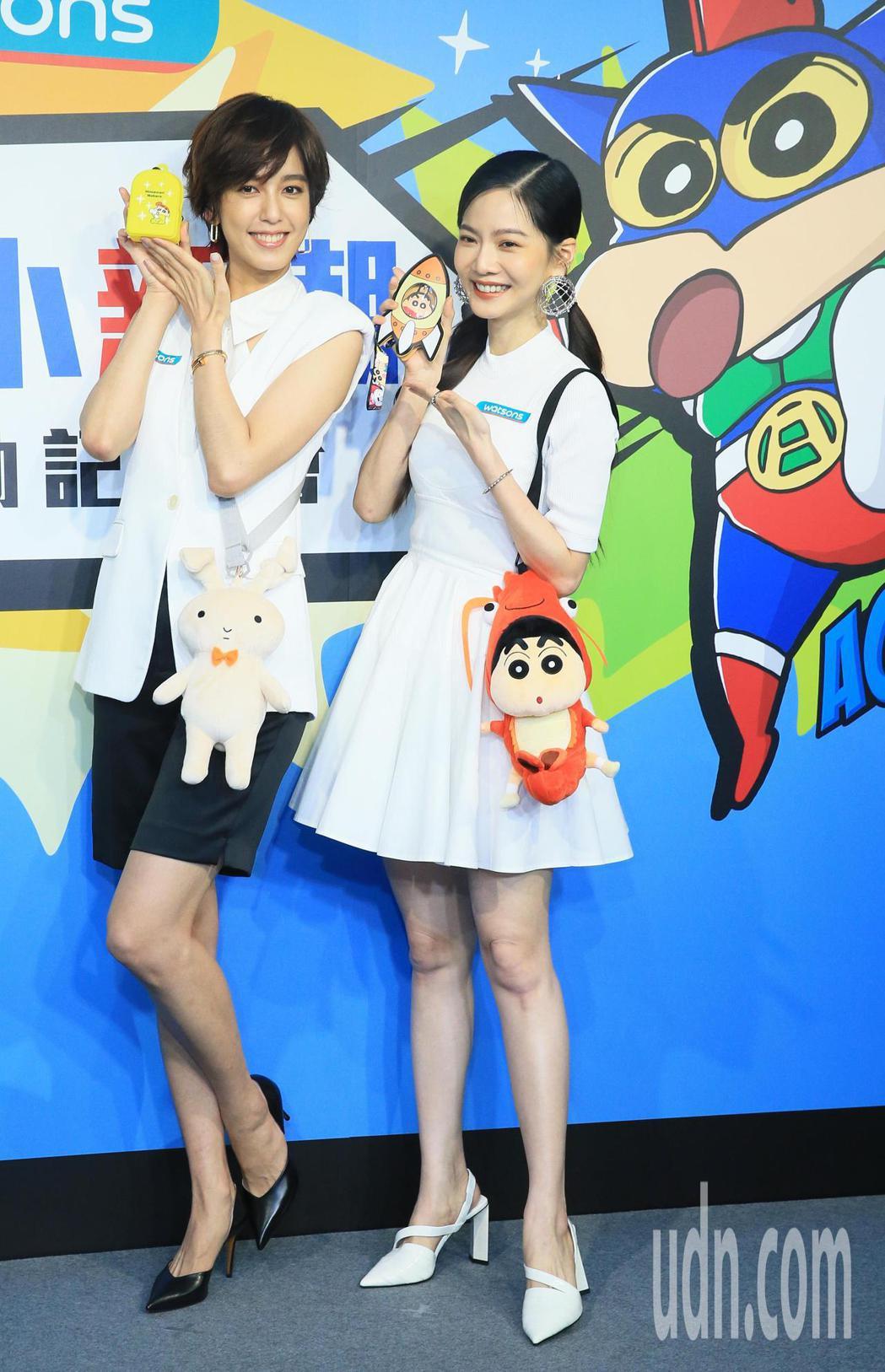 曾之喬(右)與陳庭妮(左)今天出席代言活動。記者潘俊宏/攝影
