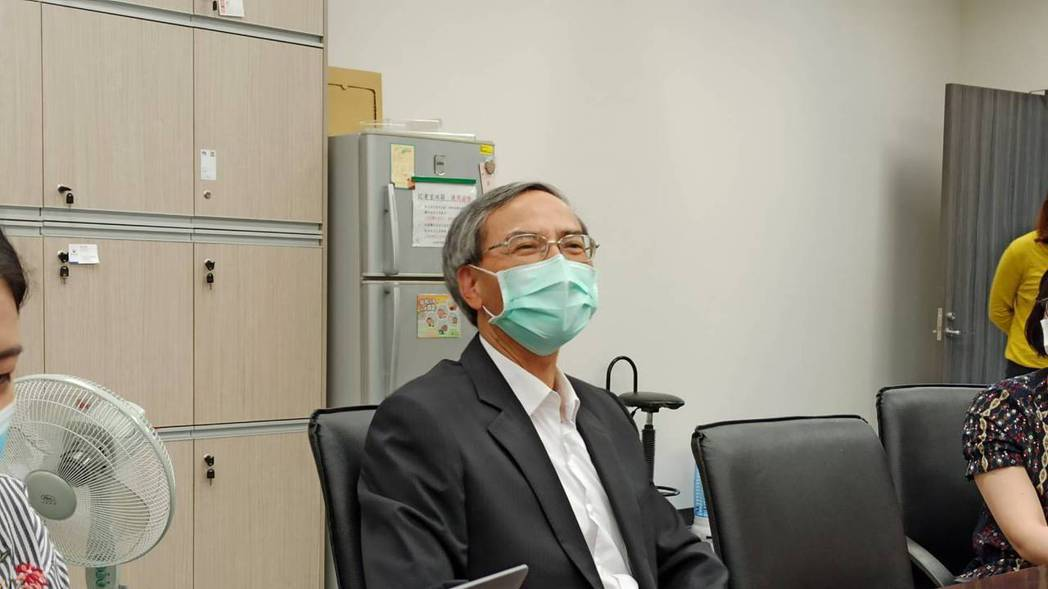 財政部政務次長阮清華今(26)日表示,國安基金進場用的銀彈不多,但確實有發揮點火...