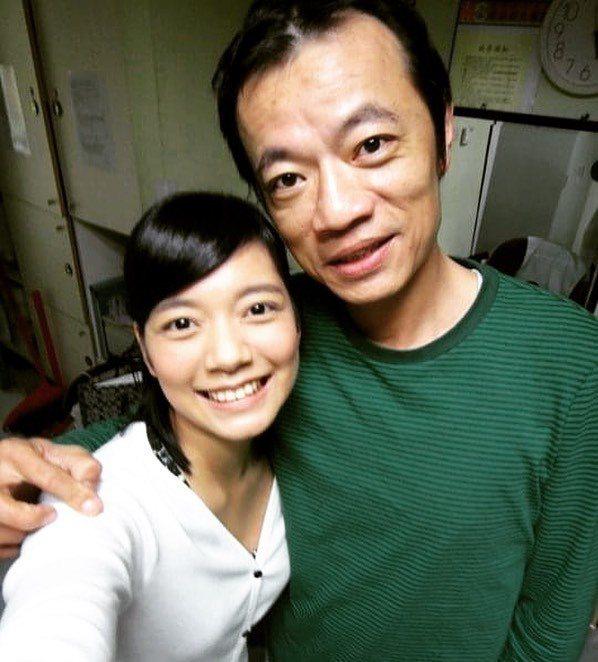 林雨宣(左)分享曾與吳朋奉合作的合照。圖/摘自臉書