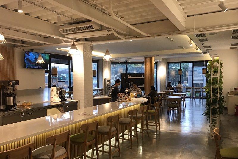 歐客佬精品咖啡都有寬敞明亮的用餐空間。 蔣佳璘/攝影