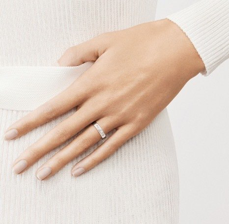 Toujours Signature Etoiles結婚戒指by Van Cle...