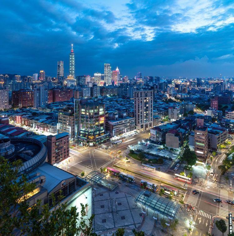 大隱開發團隊此次挾品牌、地段、案量優勢在台北最核心的信義區推出總銷70億的指標大...