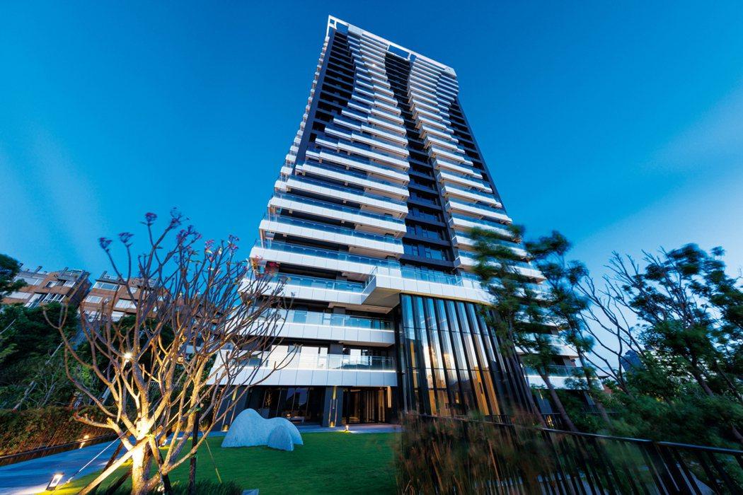 「達麗世界灣」採光佳、棟距大,規劃106坪均質雙優,僅有單純48戶。 業者/提供