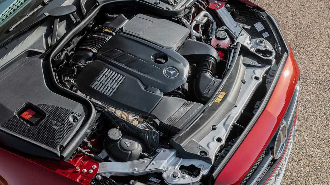 2.0升四缸引擎也導入EQ Boost系統提升效率降低排放。 摘自Mercede...