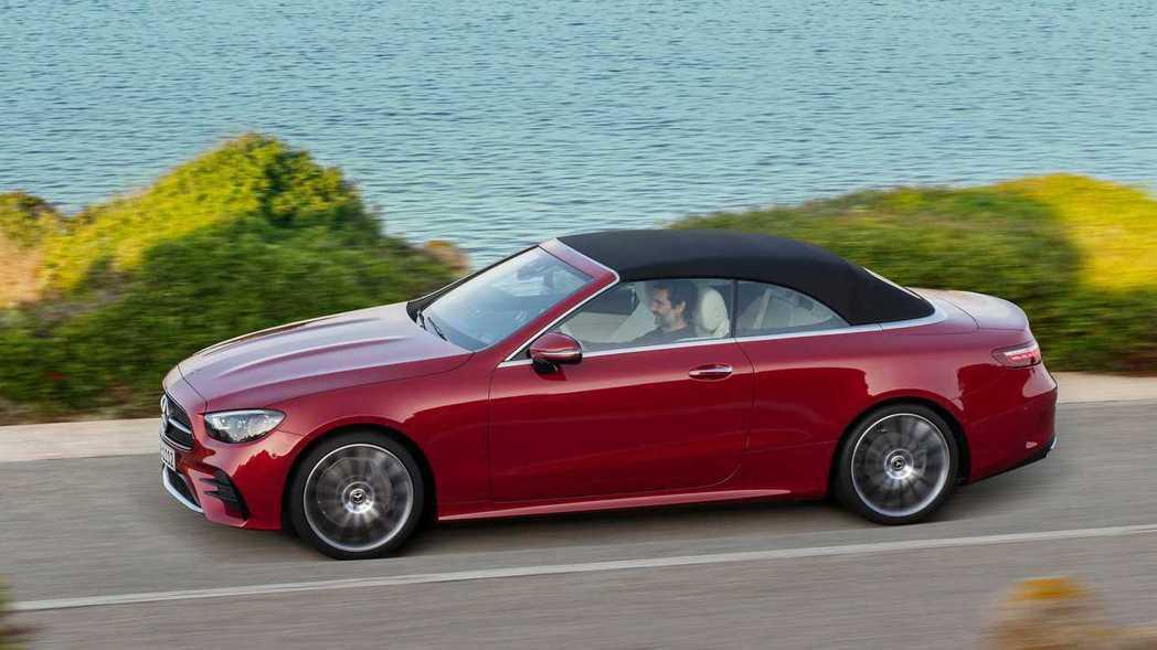 所有E-Class Coupe、Cabriolet均統一搭載9G-TRONIC變...