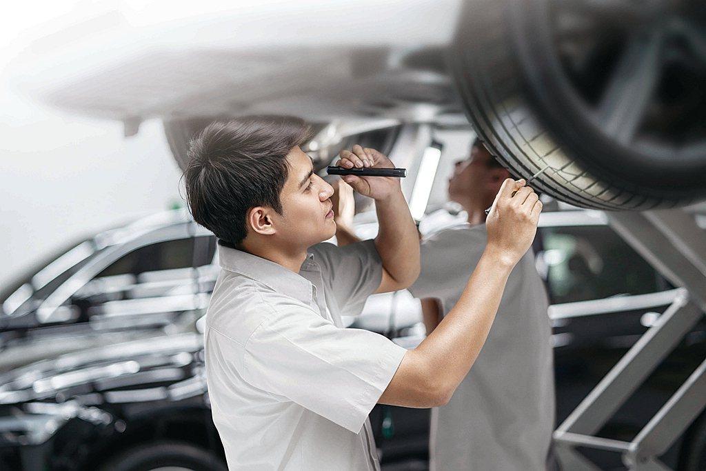 當愛車需要換胎時,透過「輪胎保固專案」除了讓車主免於在坊間店家到處詢價的困擾,更...