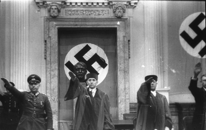 德國納粹時期人民法院審判畫面。 圖/維基共享