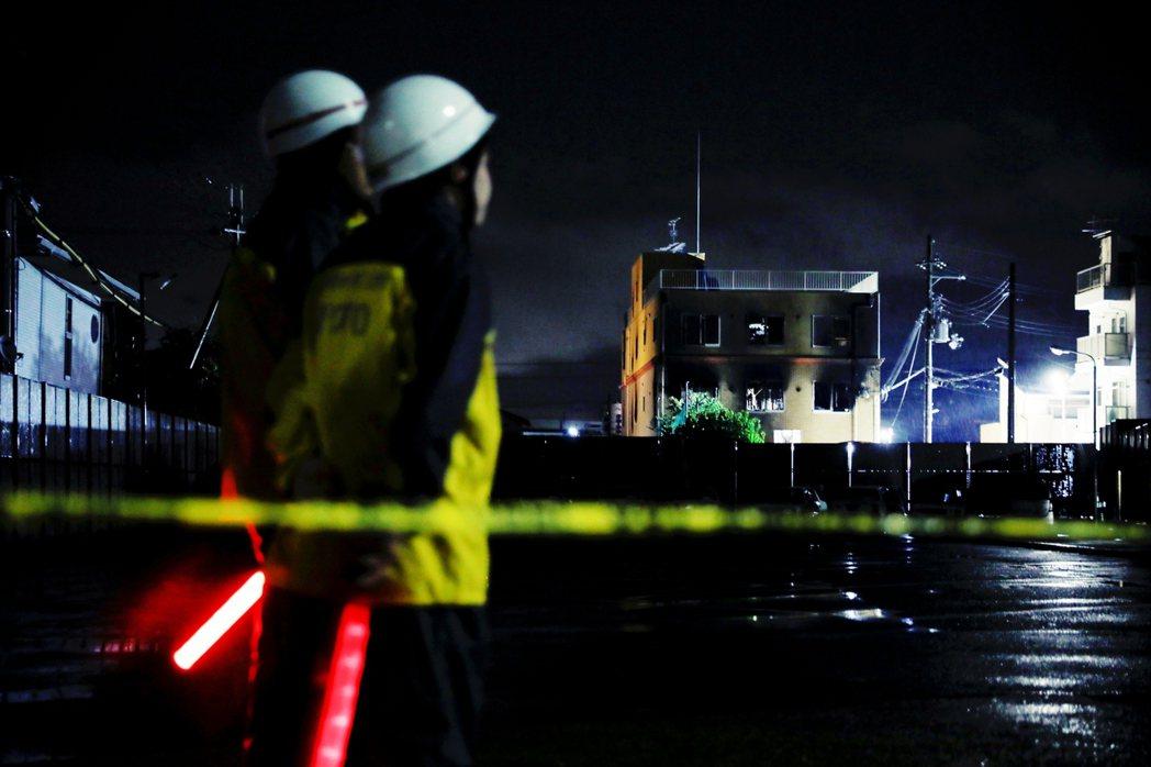 日本時間27日中午11點,警方也召開記者會說明目前的案情進度,證實青葉真司承認犯...