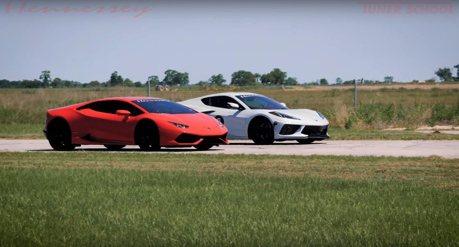 影/小改款Corvette C8單挑藍寶堅尼Huracan超跑!