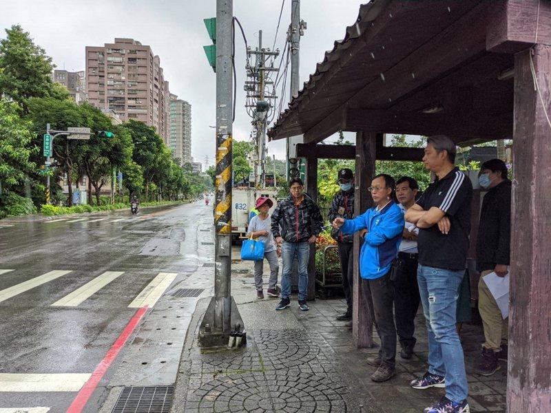 汐止區康寧街只要下大雨就容易積淹水,區公所也爭取前瞻計劃,再加上市府經費共二千萬元,將進行排水改善。 圖/觀天下有線電視提供