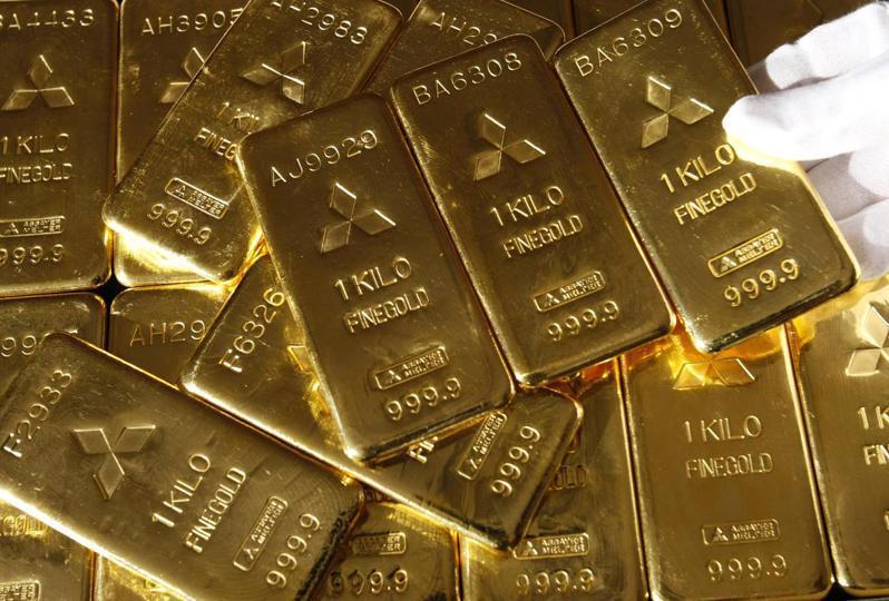 國際黃金現貨26日續跌,。路透
