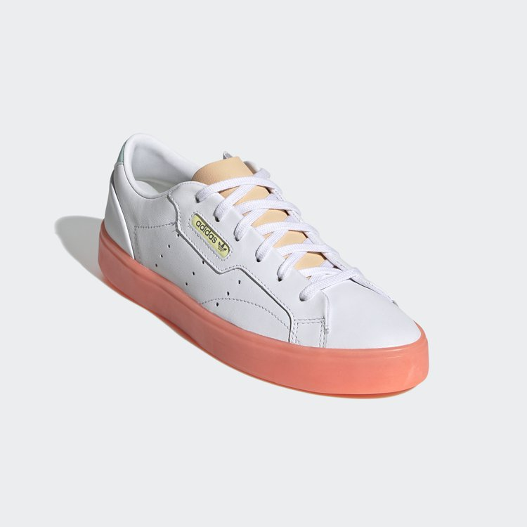 adidas Originals Sleek鞋款3,290元。圖/adidas ...