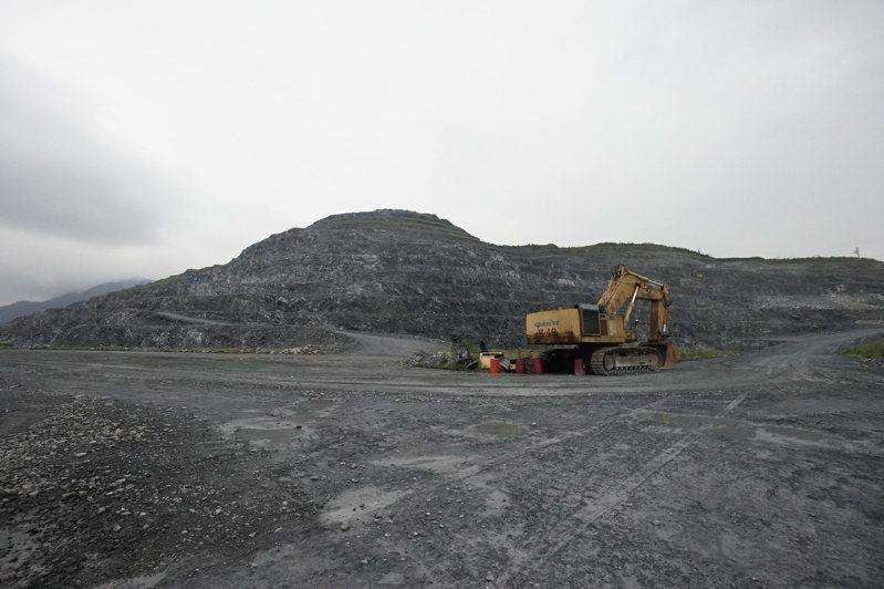 花蓮縣每年向礦石開採業者徵收約9億元礦石稅,是花蓮最大筆稅收。圖/報系資料照片