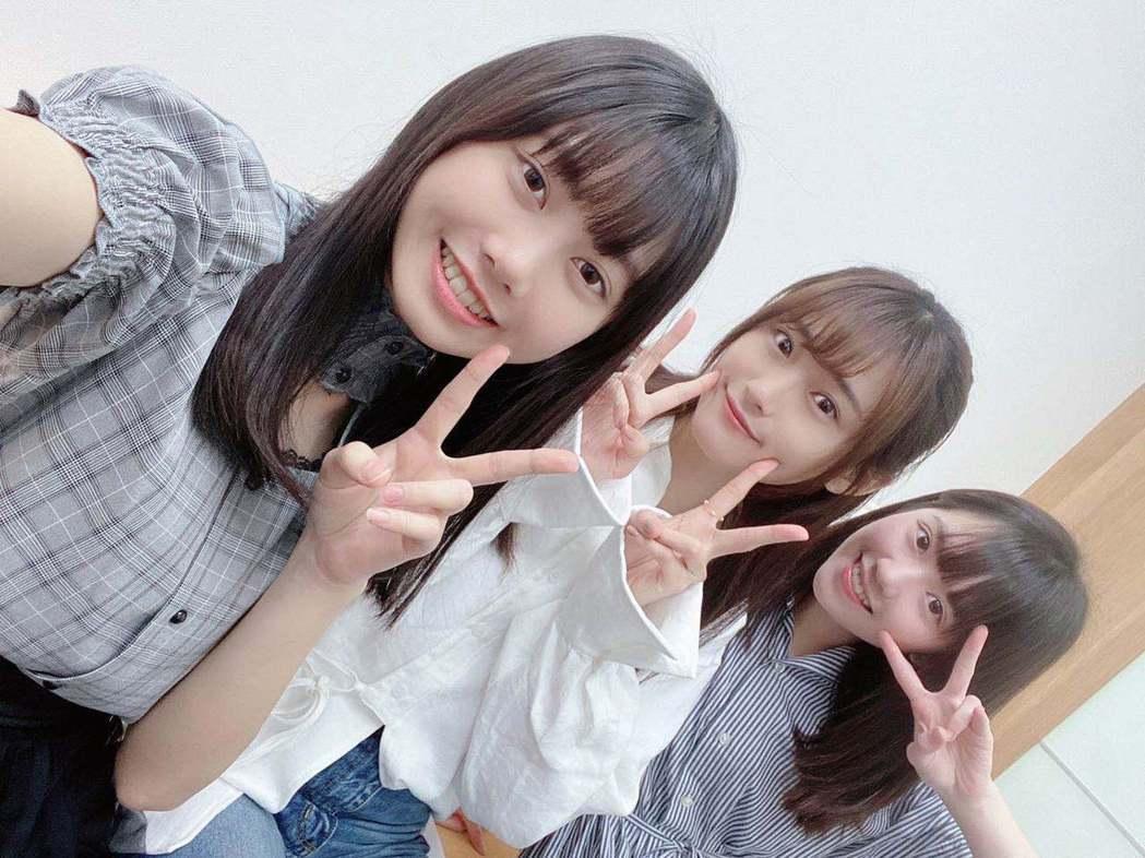 女團「AKB48 Team TP」成員蔡亞恩(左起)、劉語晴、邱品涵合作新節目。...