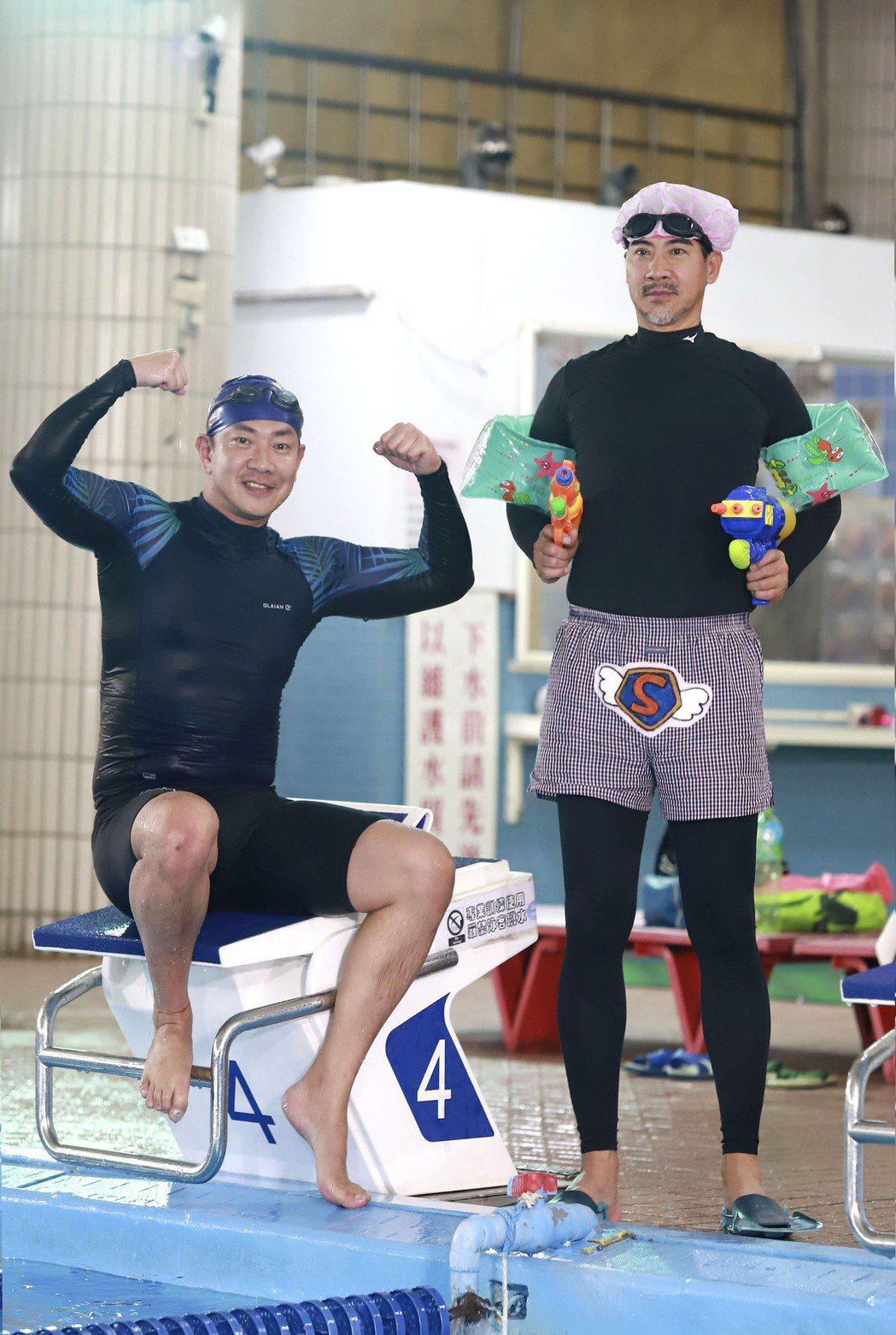 翁家明(右)、江俊翰在戲中飾演醫師雙雄,卻一個失憶、一個殘疾人士。圖/民視提供