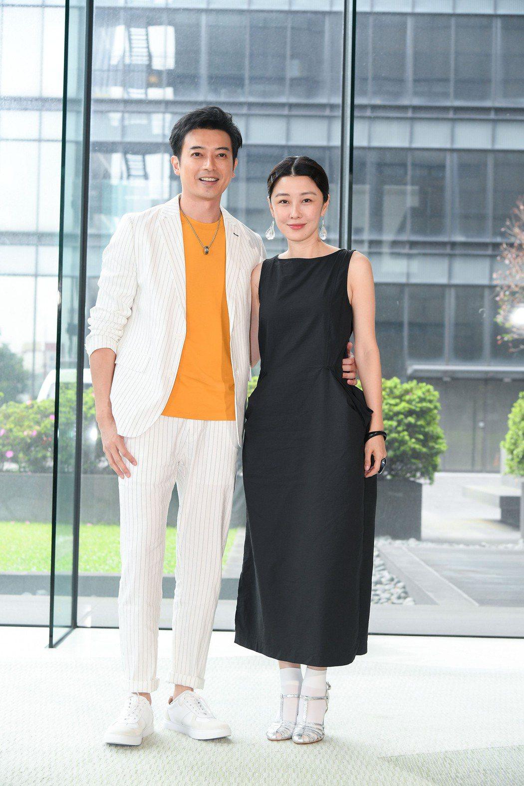 田家達(左)和李維維演出台灣好戲「羅雀高飛」。圖/三立提供