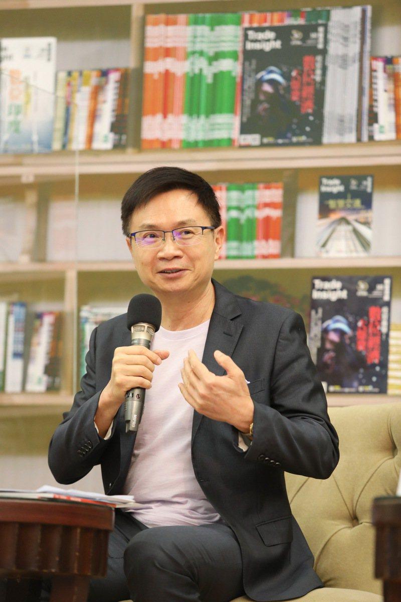 貿協董事長黃志芳強調數位轉型對企業發展的關鍵。圖/外貿協會提供