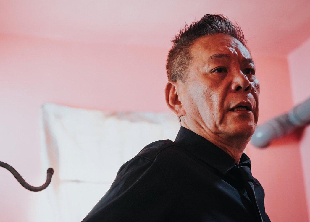 龍劭華在「忘川」中飾演隱姓埋名的殺人犯。圖/華視提供