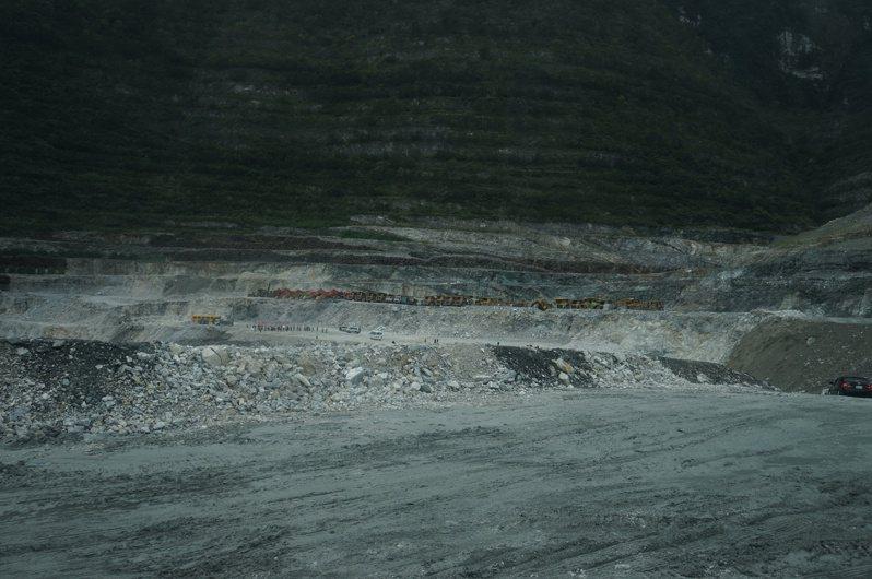 花蓮縣府針對礦石開採業者徵收礦石特別稅,1年收入約9億元,是全縣最大筆稅收。 圖/聯合報系資料照片