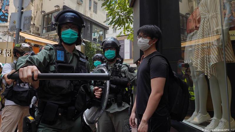 大陸推「港版國安法」引起國際關注,美國也對此作出回應,表示可能會取消美國對香港貿易等相關特別待遇。圖/德國之聲中文網