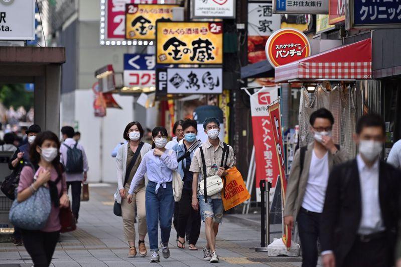 日本東京都3日單日新增12例2019冠狀病毒疾病(COVID-19)確診病例,較2日的34例減少,跟1日13例差不多,但也是連續3天病例數逾10例。 法新社