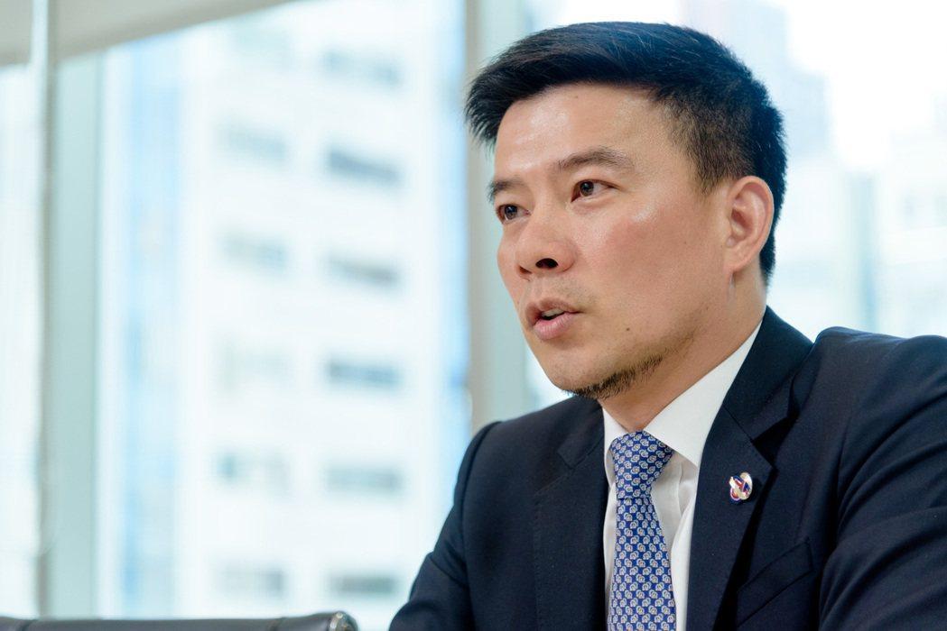 陳坤宏白手起家打造太陽能電廠,靠著陽光發電,每年為台灣供應超過260萬GW的電。...