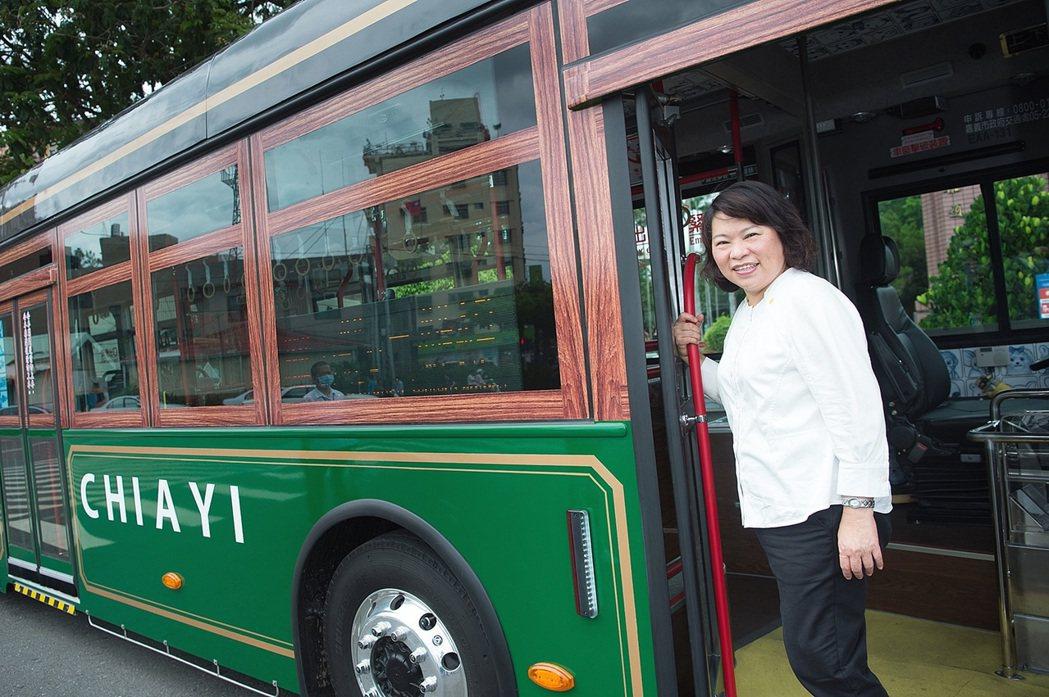 2020年遠見雜誌縣市長施政滿意度調查結果出爐,嘉義市長黃敏惠連續兩年得到4.5...