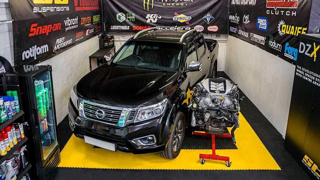 SB Motorsport要將的GT-R引擎塞入Nissan Navara皮卡裡...