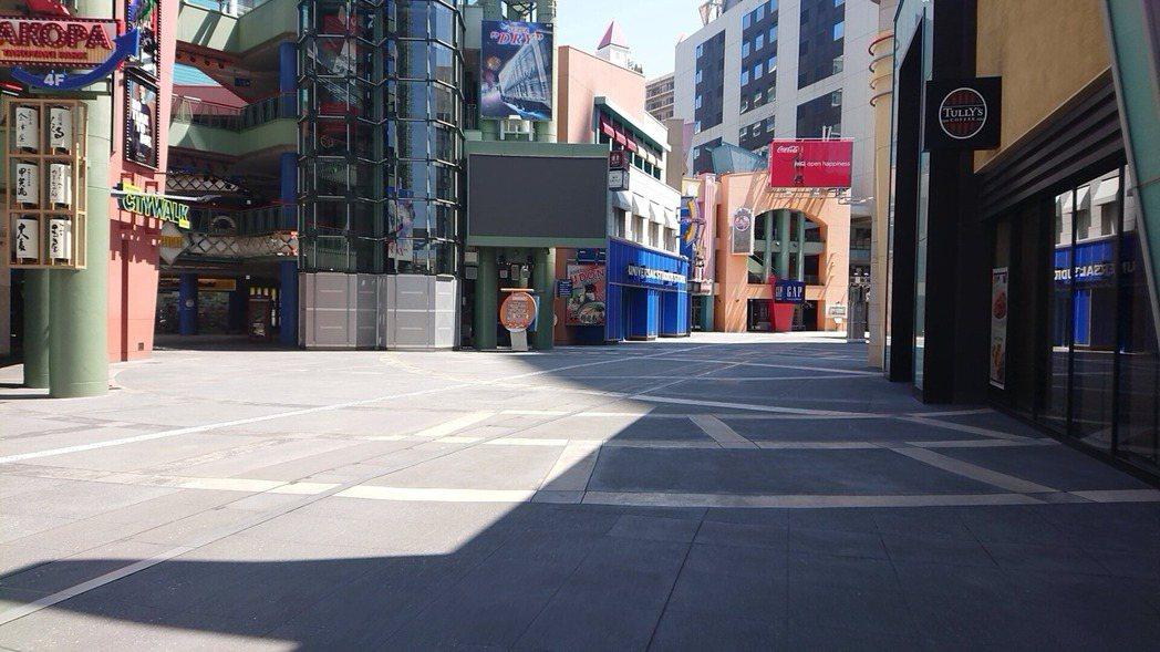 大阪環球影城也變成一座空城,有網友笑稱不用加工照片,就很可怕了。圖翻攝自推特「y...