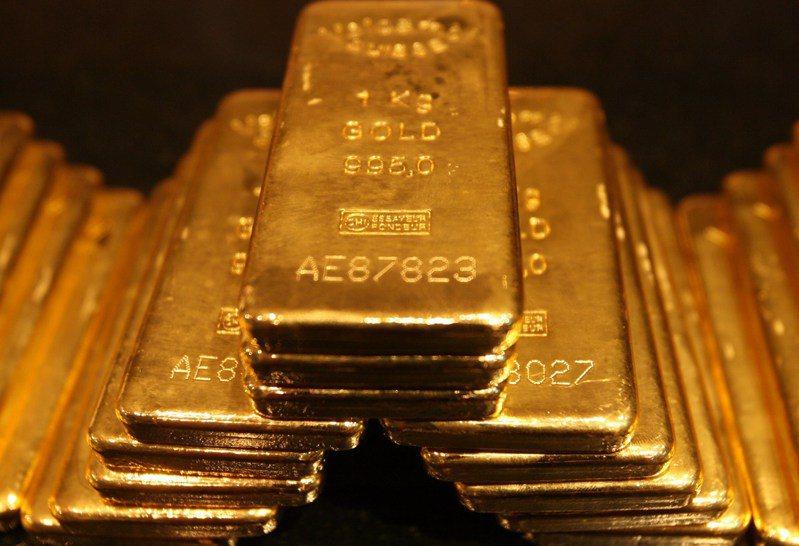 國際黃金現貨27日收跌0.06%,延續前兩日的跌勢。路透