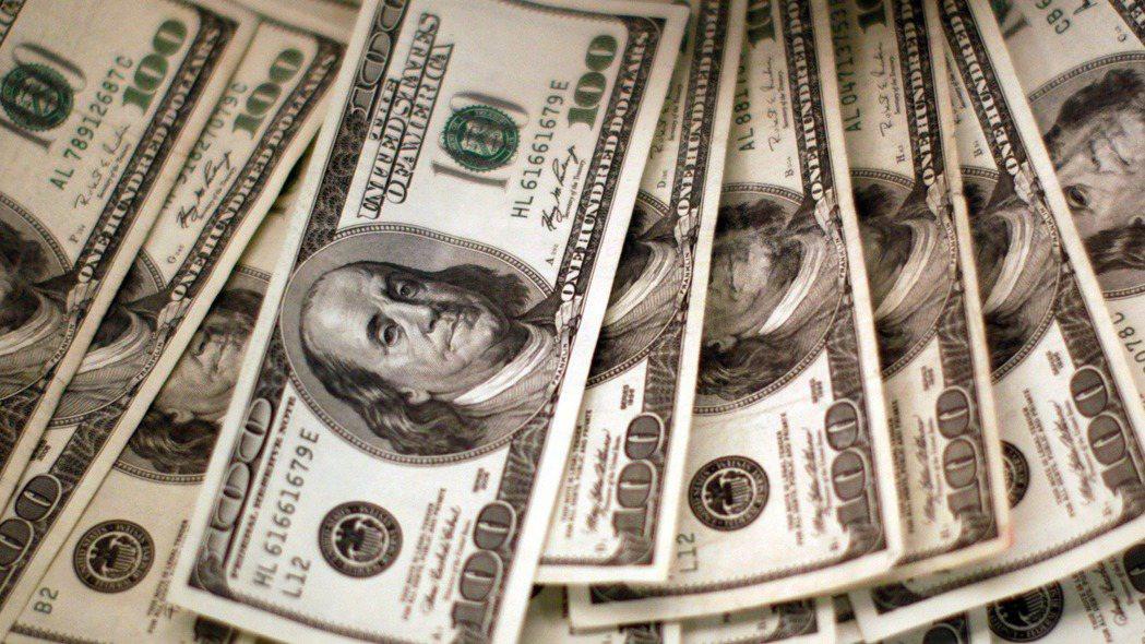 美元指數27日小漲,兌歐元持穩。  路透
