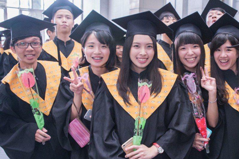 火鶴盛產,農委會台南農改場推畢業花禮。圖/農委會台南農改場提供