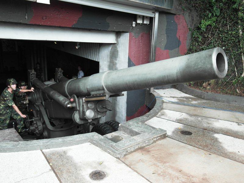 金門縣政府今天上午表示,獅山砲陣地等知名景點,將從6月1日起重新開放。圖/縣府提供