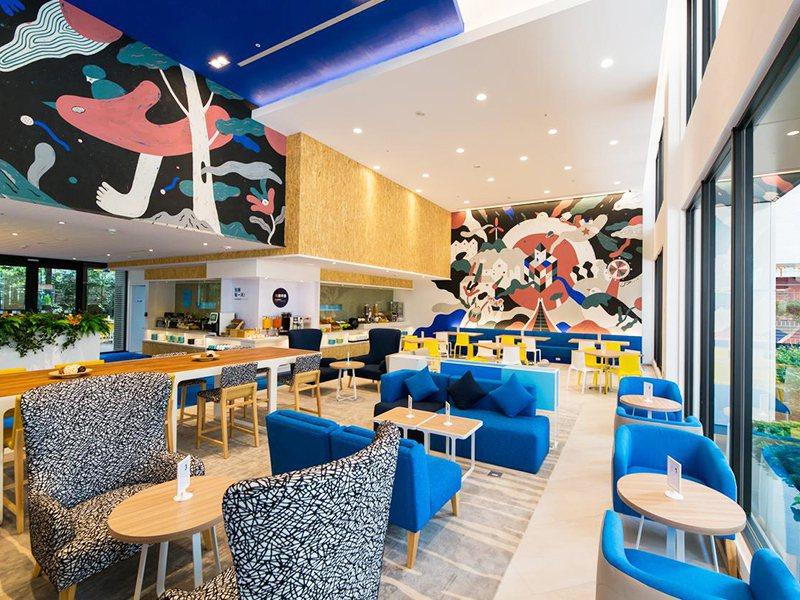 易遊網與IHG洲際酒店集團推出多款住房優惠,圖為台中逢甲智選假日酒店。圖/易遊網提供