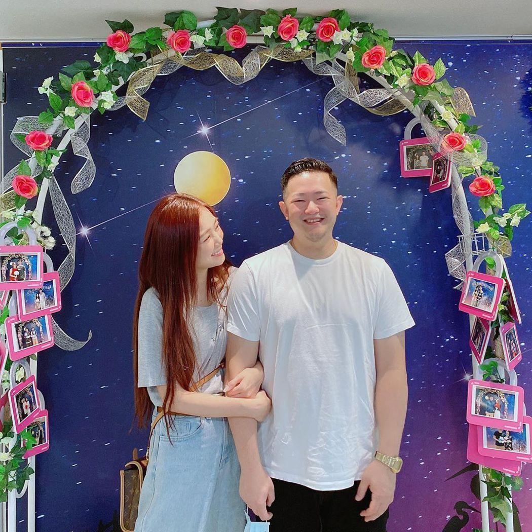 丫頭今登記結婚。圖/摘自IG
