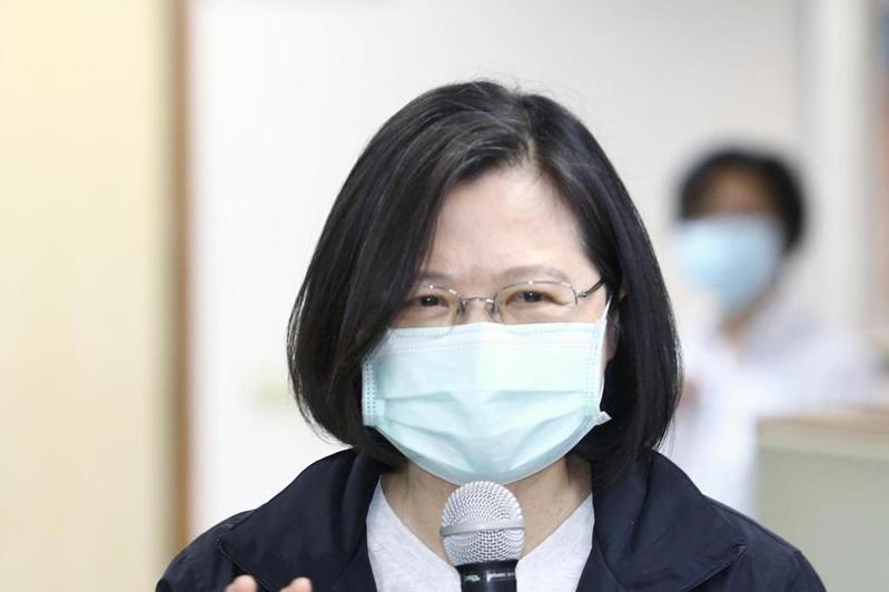 中國人大此次修訂港版國安法,一直強調要和香港人「站在一起」的蔡英文,就不能打口惠而實不至的價值戰爭,否則機關算盡,國王的新衣很快就會被拆穿。圖/聯合報系資料照片
