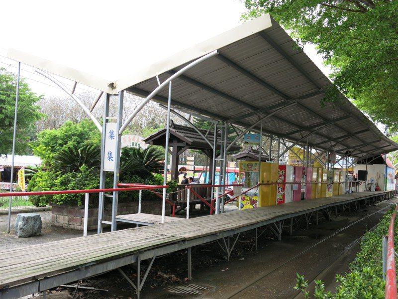 集集環鎮小火車業者與鎮公所纏訟多年後,去年約滿已先歸還小火車並拆除營運月台。記者黑中亮/攝影 本報資料照片
