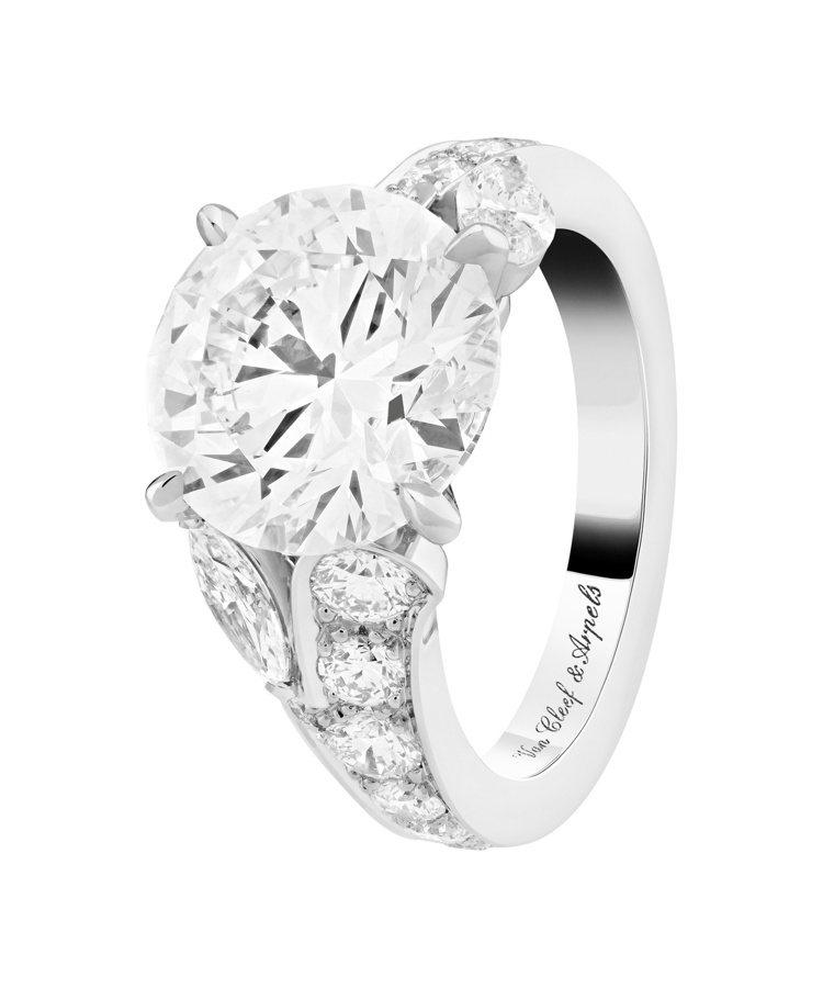 梵克雅寶Jasmin單顆鑽石戒指,鉑金與玫瑰金鑲嵌3.16克拉DVVS2 級鑽石...